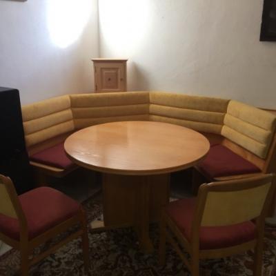 Sitzecke mit Tisch und 2 Stühlen Esche Echtholz - thumb