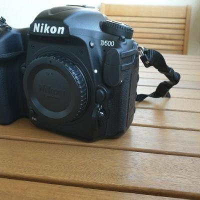 Nikon D500 Kamera in einwandfreiem Zustand - thumb