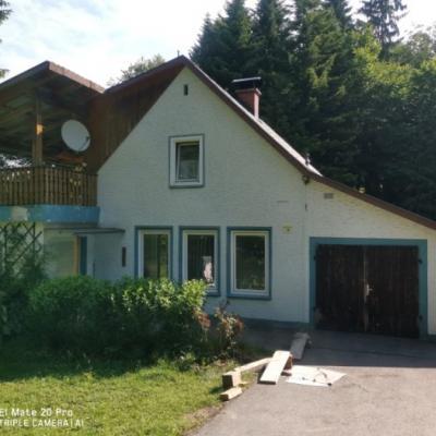 Familie sucht Haus zum Mieten - thumb