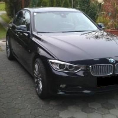 BMW 318d F30 Saphierschwarz- Metallic - thumb