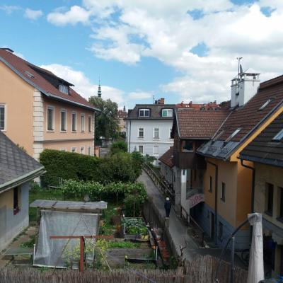 Dachgeschoss-Wohnung Lendhafen - thumb