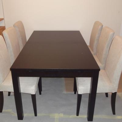 Ikea Tisch ausziehbar mit 6 Sesseln und unterschiedlichen Sitzbezügen - thumb