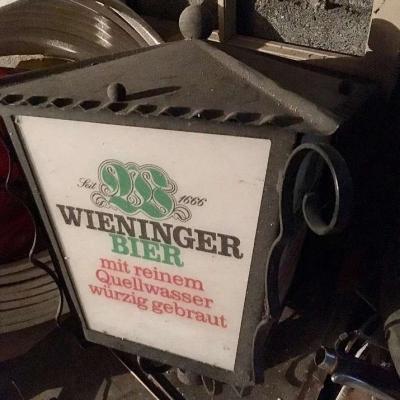 Verschiedene alte Möbel aus Wirtshaus-Auflösung - thumb
