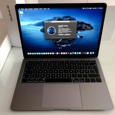 MacBook Air 2019 Retina 256SSD 8GB RAM i5-8210Y 13Ladezyklen WIE NEU - thumb