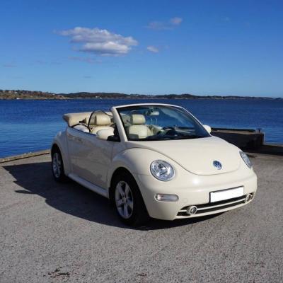 Volkswagen Beetle 1.6 - thumb