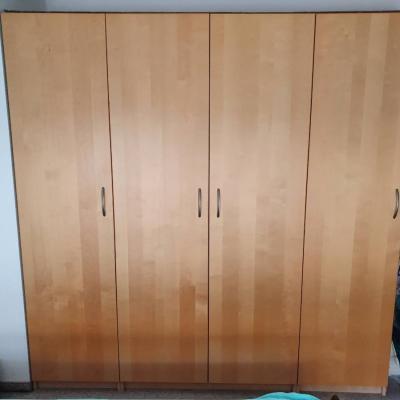 Schlafzimmer / Kleiderschrank 4 Türig Gratis - thumb