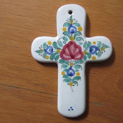 Altes Keramik Kreuz - 13cm x 9, 5cm - rustikale Deko - Handarbeit - thumb