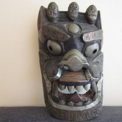 Alte Dämonenmaske - Holz - Metallverzierungen - Tibet / Bhutan - thumb