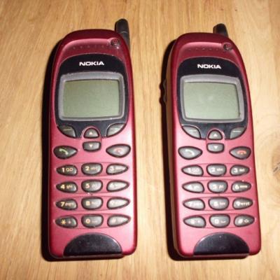 2 alte Nokia Handys für Sammler - thumb