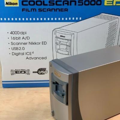 Nikon Super Coolscan 5000 ED mit Filmeinzug Modul - thumb
