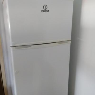 Verkaufe INDESIT Kühl-Gerfrierkombi - thumb