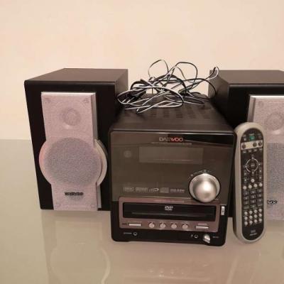 DAEWOO RD-430XB CD/ DVD PLAYER - thumb
