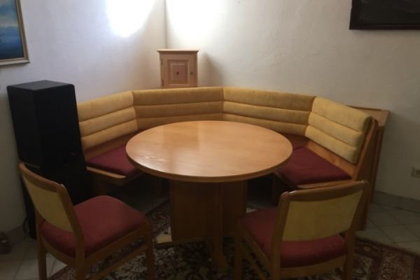 Sitzecke mit Tisch und 2 Stühlen Esche Echtholz