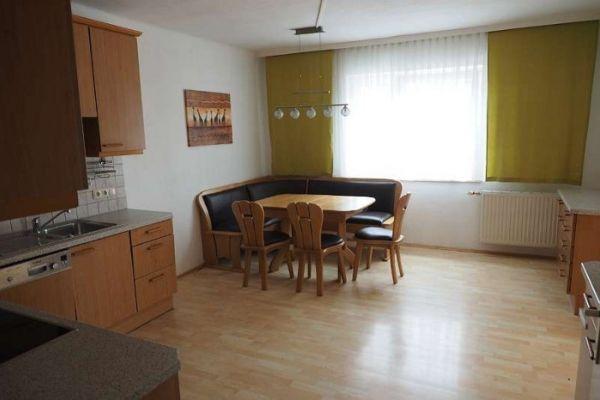 108m² helle Wohnung + 22m² Garconniere