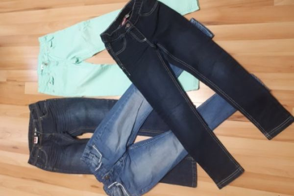 4 verschiedene Jeans