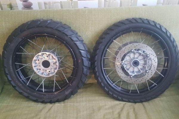 BMW Satz Felgen Speichenfelgen Spoke Wheel R1200GS