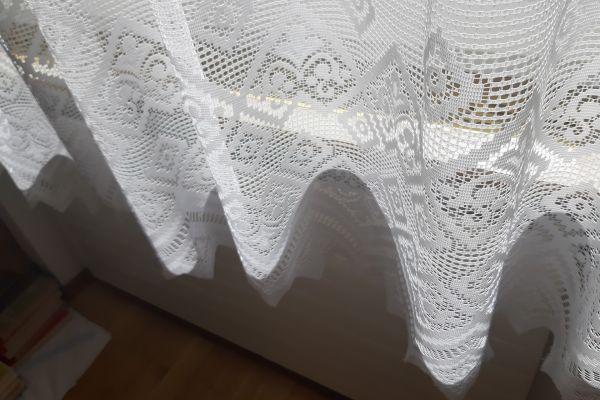 Fertigvorhang mit wundervollen Ornamenten (Halbtransparent) – 2 Stück