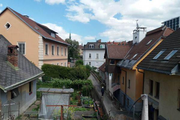 Dachgeschoss-Wohnung Lendhafen