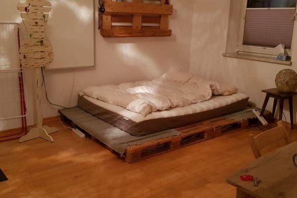 Schönes Zimmer mit Wintergarten in 2er WG, 10 Gehminuten Hbf