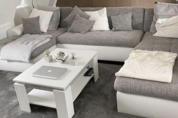 neues Sofa mit Bettfunktion