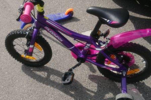 Roller und Fahrrad