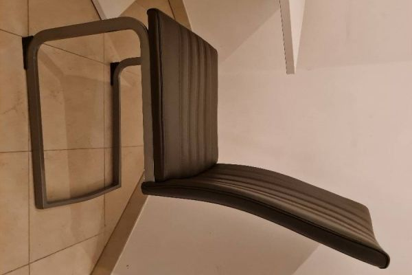 Esstisch & 2 Sessel