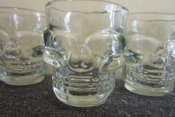 5 Stück Schnapsgläser - Totenkopf - Skull - Stamperl - Glas