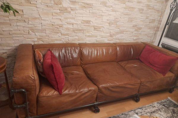 4-Sitzer-Sofa im Industriestil aus Leder, Havannafarben (fast neu!)