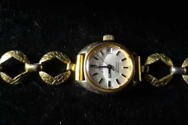 alte Armbanduhr Marke Royce