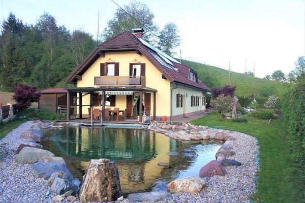 Wunderschönes Haus mit Naturpool und Sauna