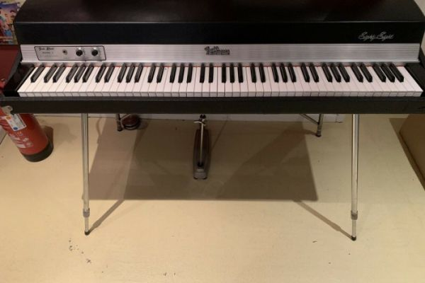 Fender Rhodes Mark 1 Stage