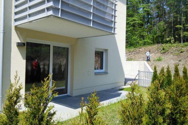 Neuwertige 2 - Zimmerwohnung mit Terrasse