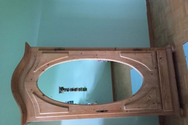 Spiegelschrank (Vollholz)