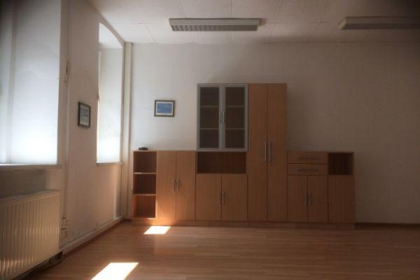 162 m2 Büro- und Geschäftslokal zu vermieten