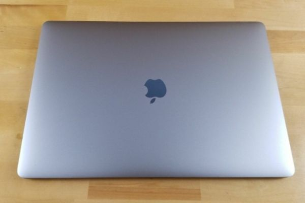 Apple MacBook Pro 15-inch Touch Bar -core i7,512GB