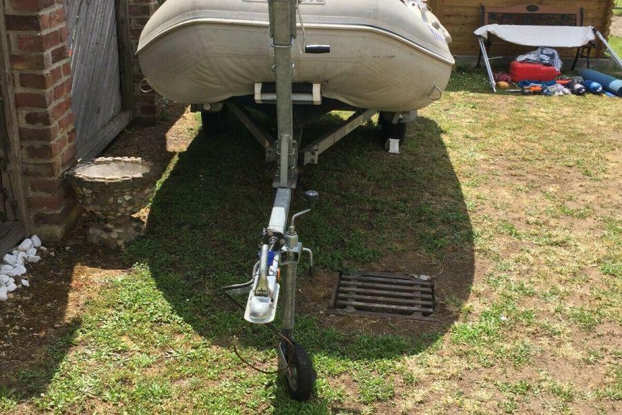 Schlauchboot mit Motor und Anhänger 4,10m x 2,00m - Bild 1