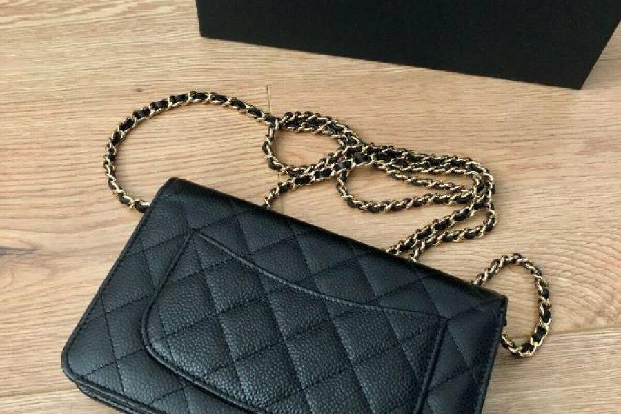 Chanel kleine Tasche schwarzes Leder - Bild 1